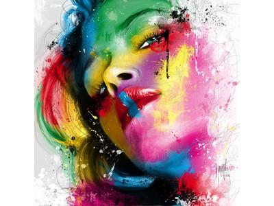 Tranh sơn dầu cô gái ngẩng mặt TSD-14